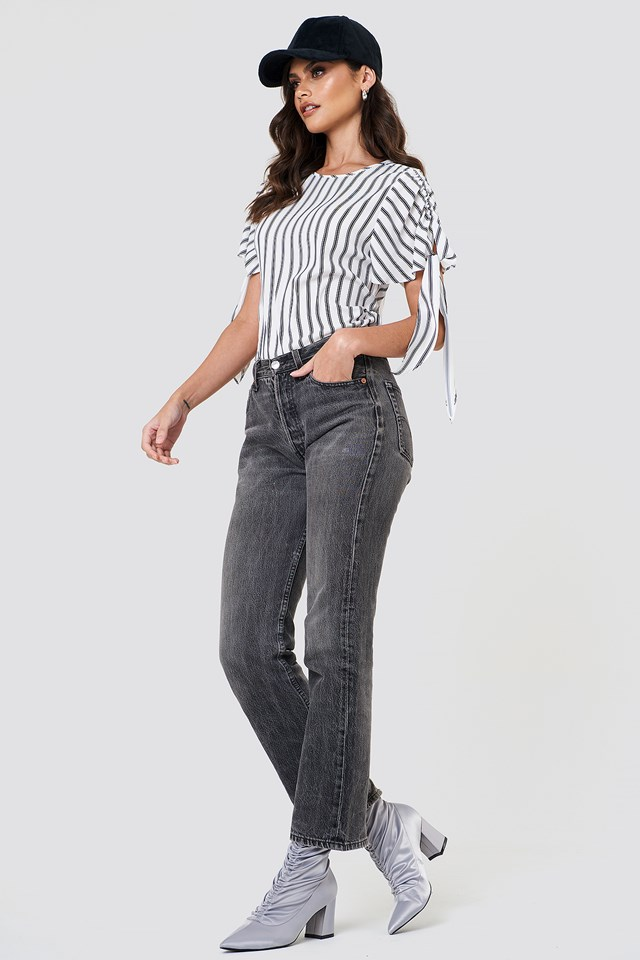 Grey Washed Jeans Outfit