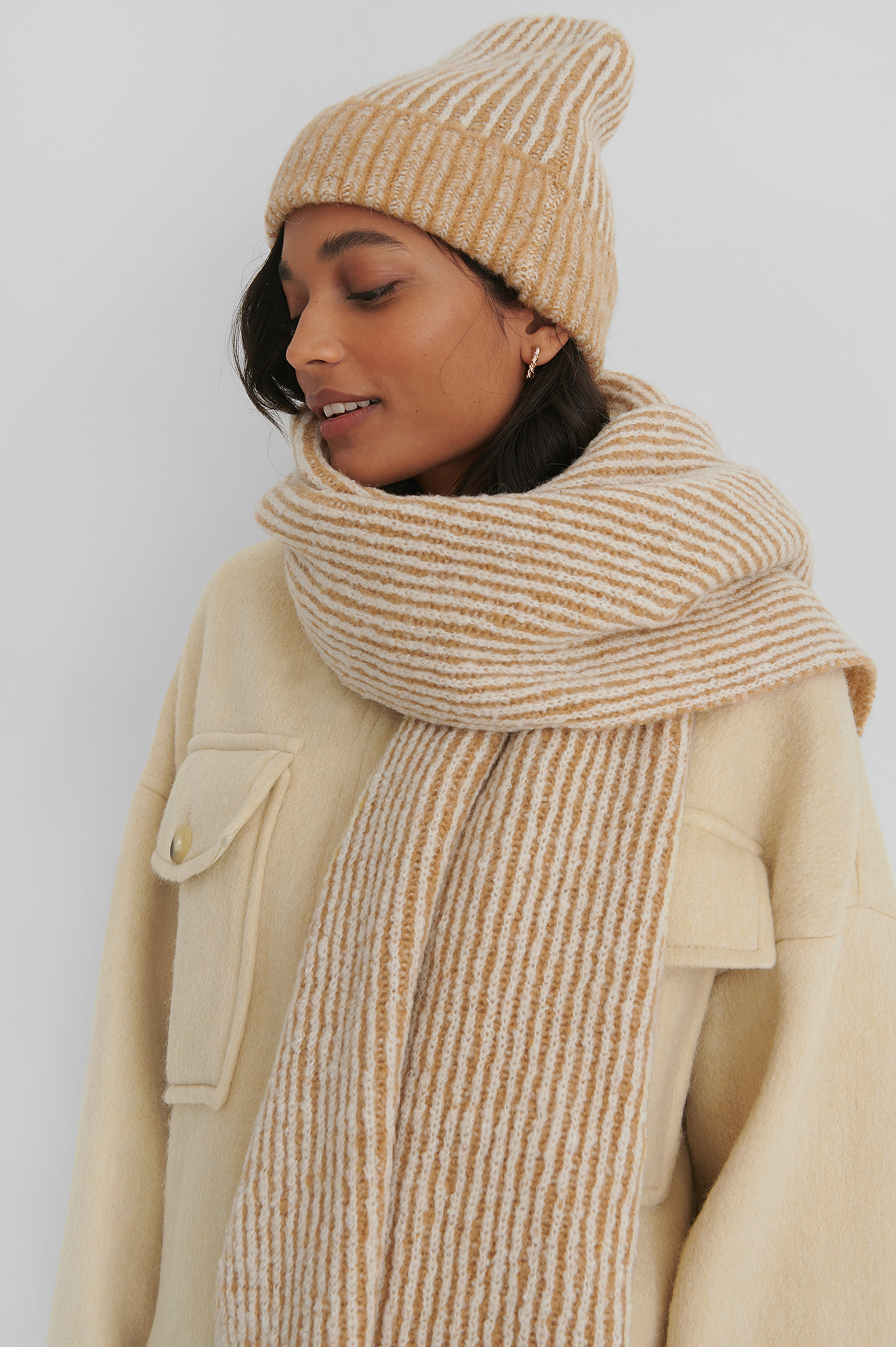 Beige Chunky Two Toned Scarf