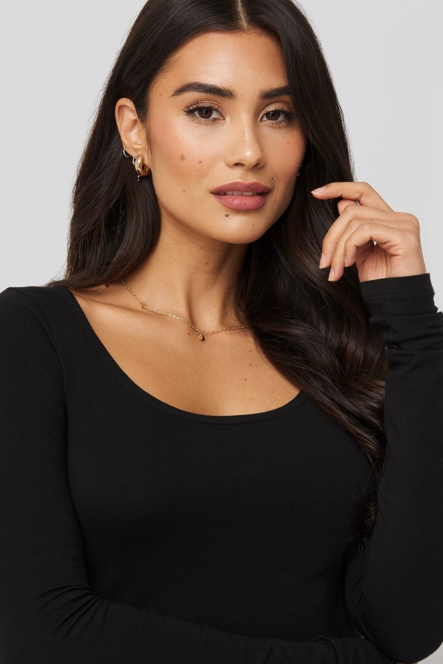 Deep Round Neck Top Black