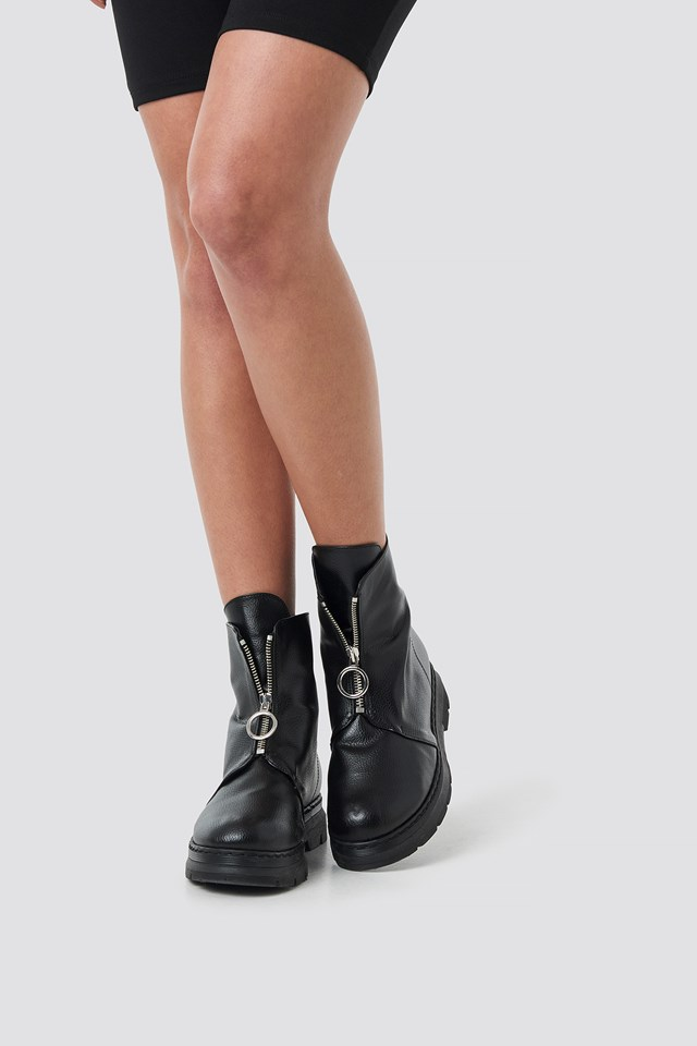 Front Zip Chunky Boots Black