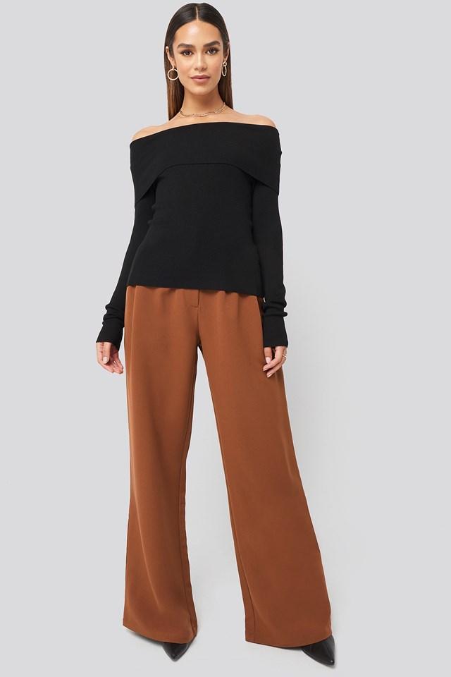 Slash Collar Pullover Black