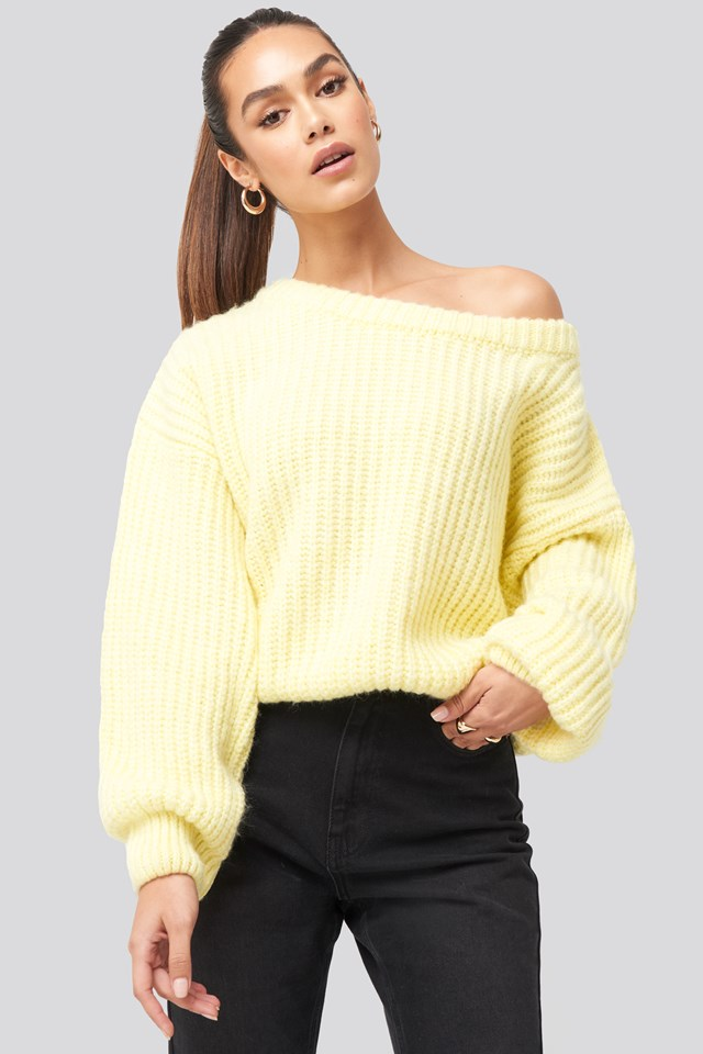Chunky Knitted Off Shoulder Sweater Dusty Light Yellow
