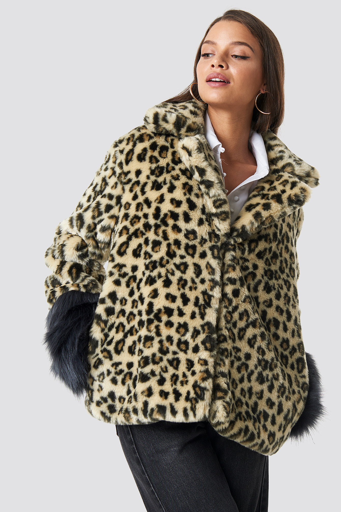 Leo Sleeve Detailed Faux Fur Leo Jacket