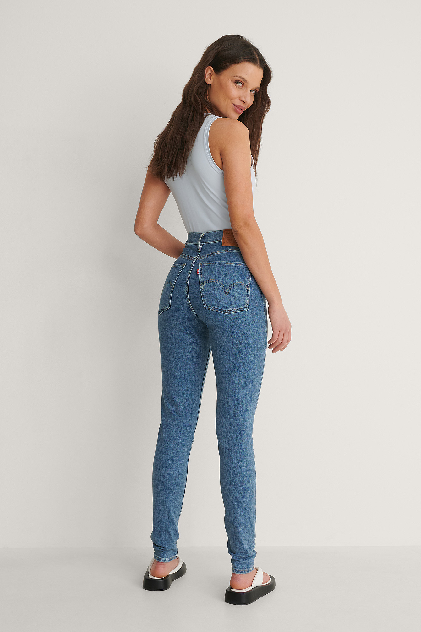 Med Indigo - Worn In Mile High Super Skinny Between