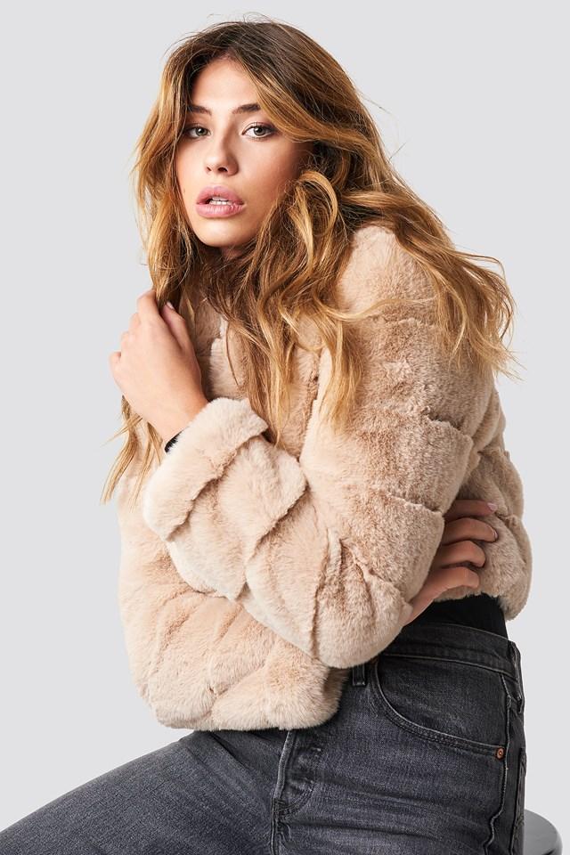 Short Puff Faux Fur Jacket Beige