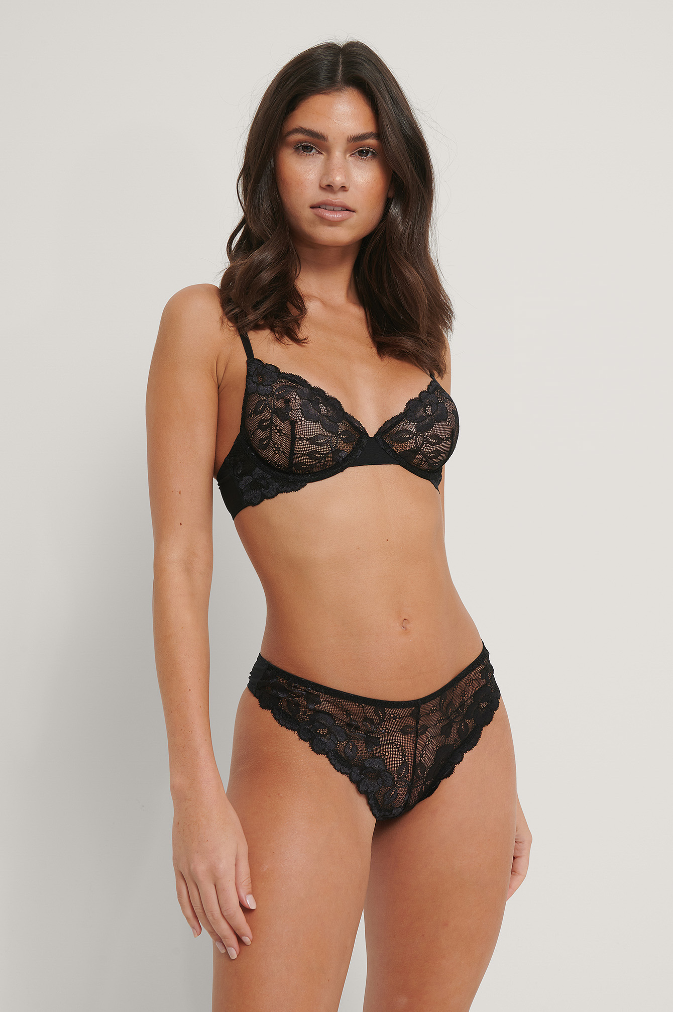 Black Memory Lace V-String