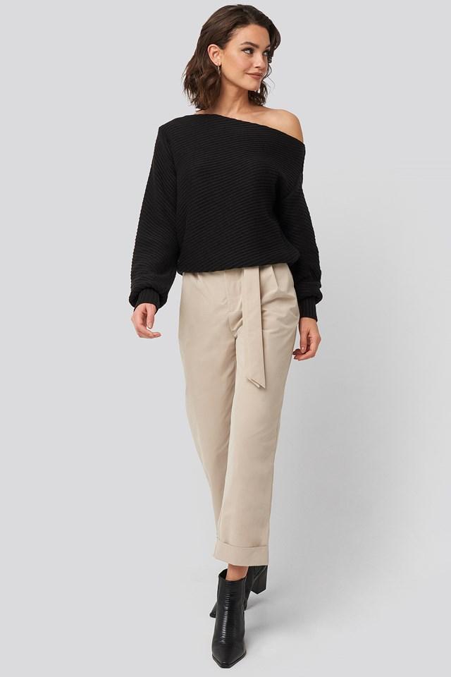 Slanting Shoulder Knitted Sweater Black