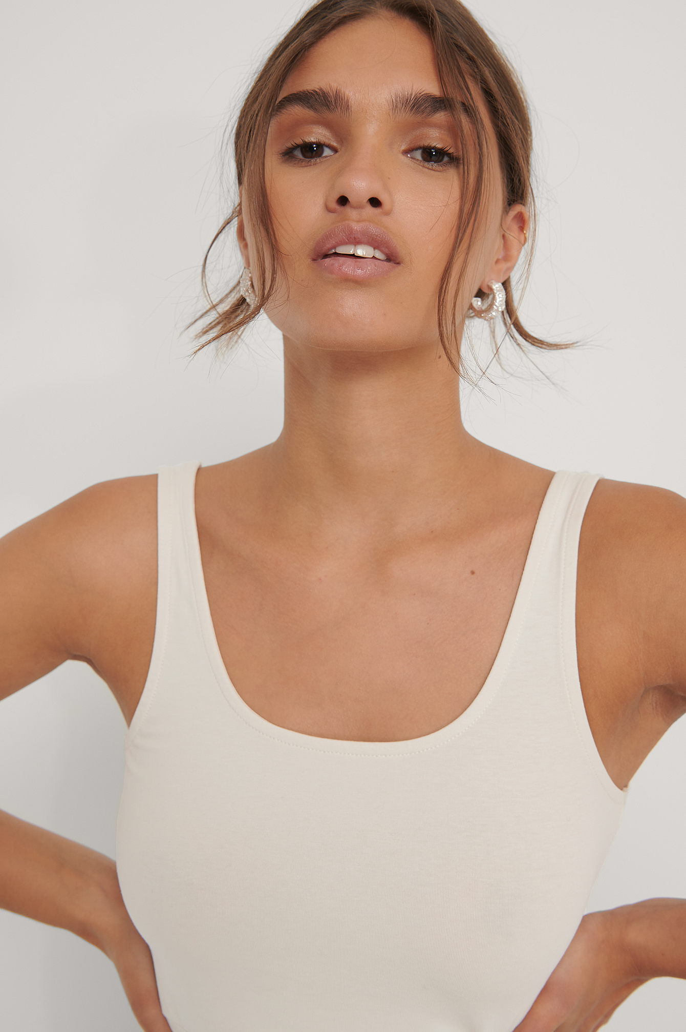 Dusty Light Beige Basic Cropped Singlet