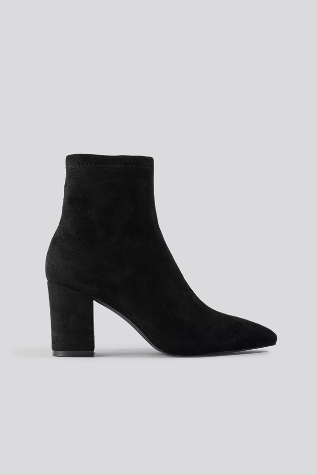 Basic Pointy Block Heel Booties Black