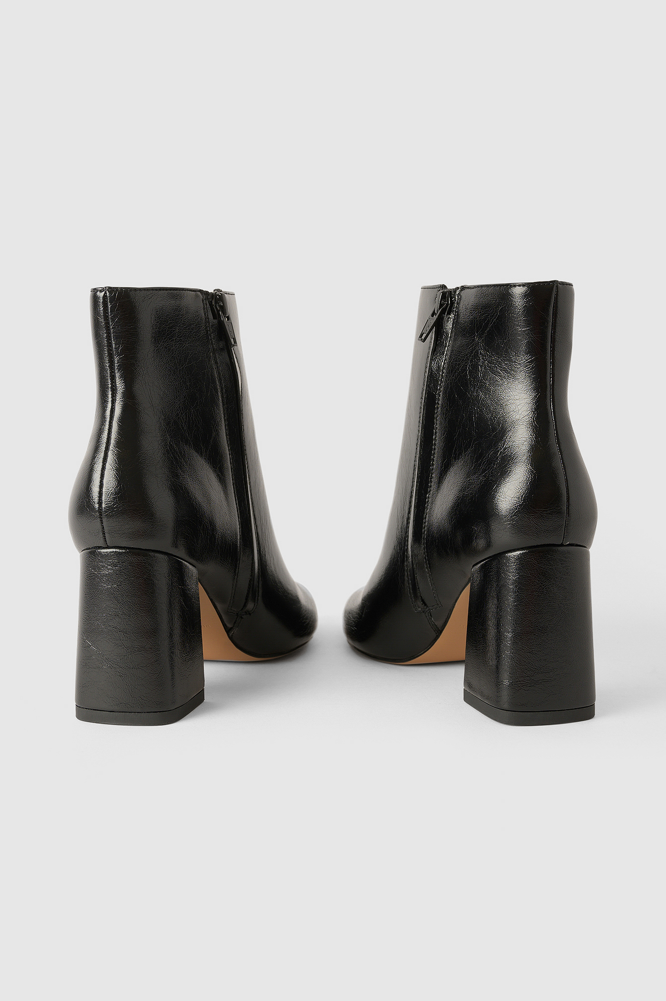 Black Basic Structured Glossy Boots