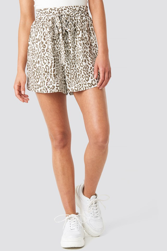 Belted Flowing Shorts Leopard