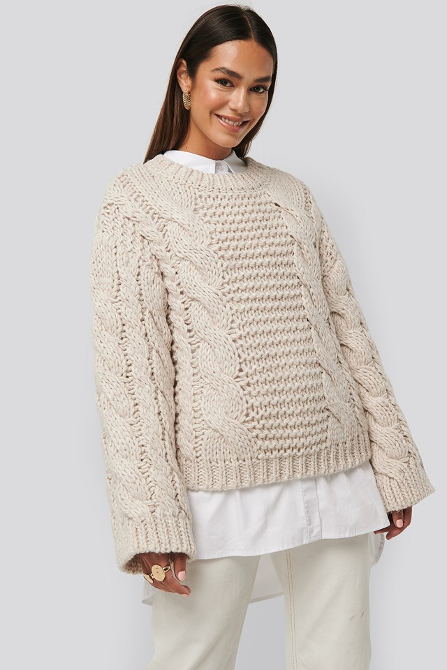 Chunky Cable Knitted Sweater Offwhite