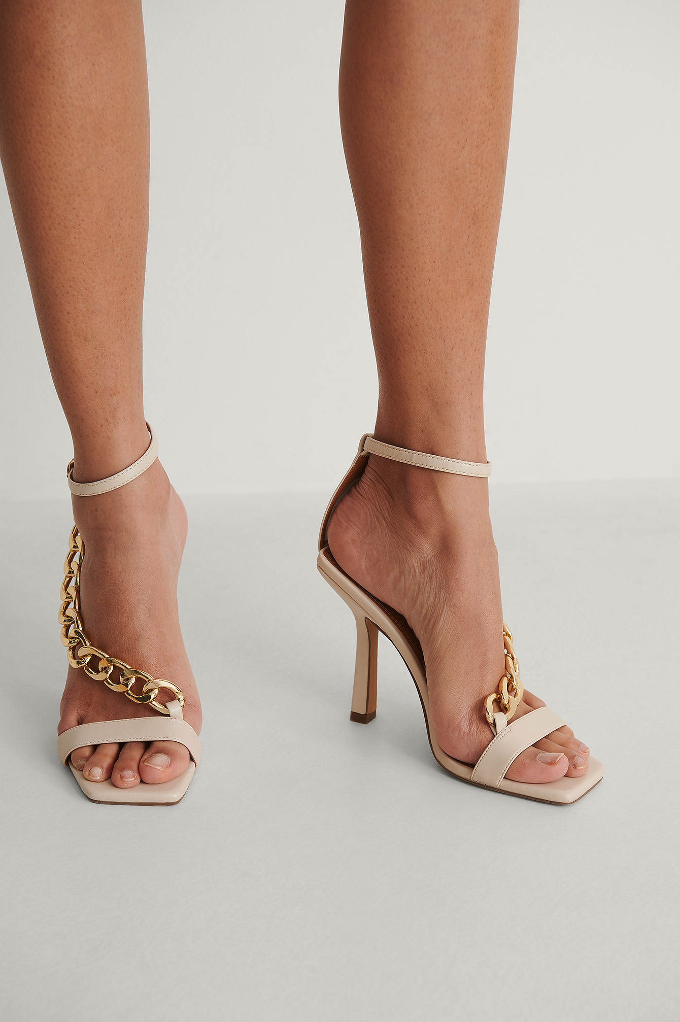 Creme Chunky Chain High Heels