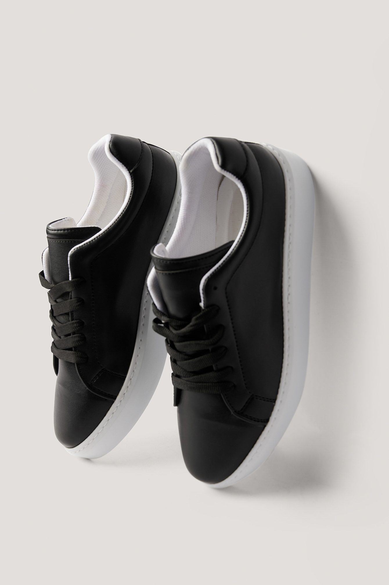 Black Classic Trainers