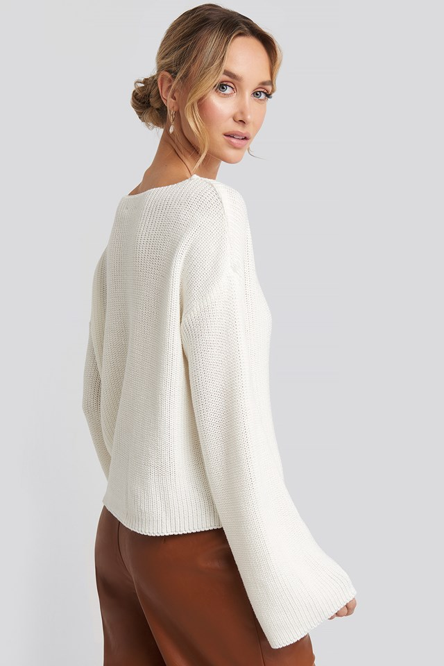 Cropped Long Sleeve Knitted Sweater White