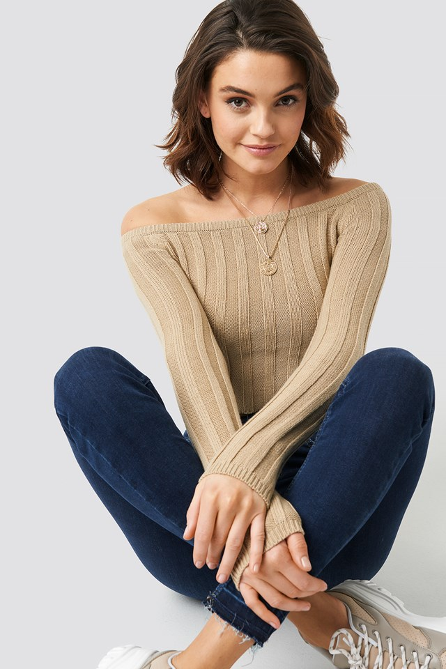 Cropped Off Shoulder Knitted Sweater NA-KD