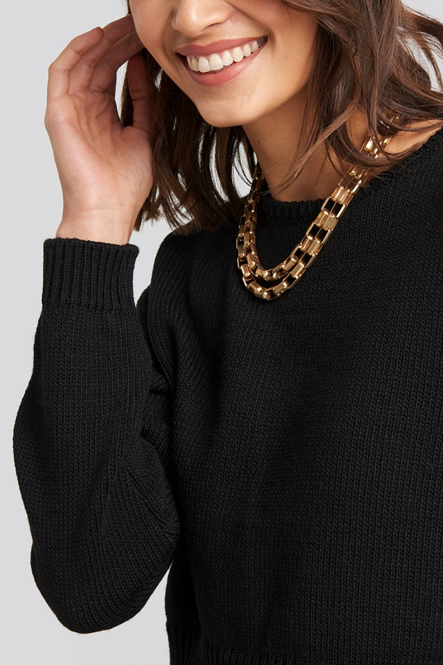 Cropped Round Neck Knitted Sweater Black