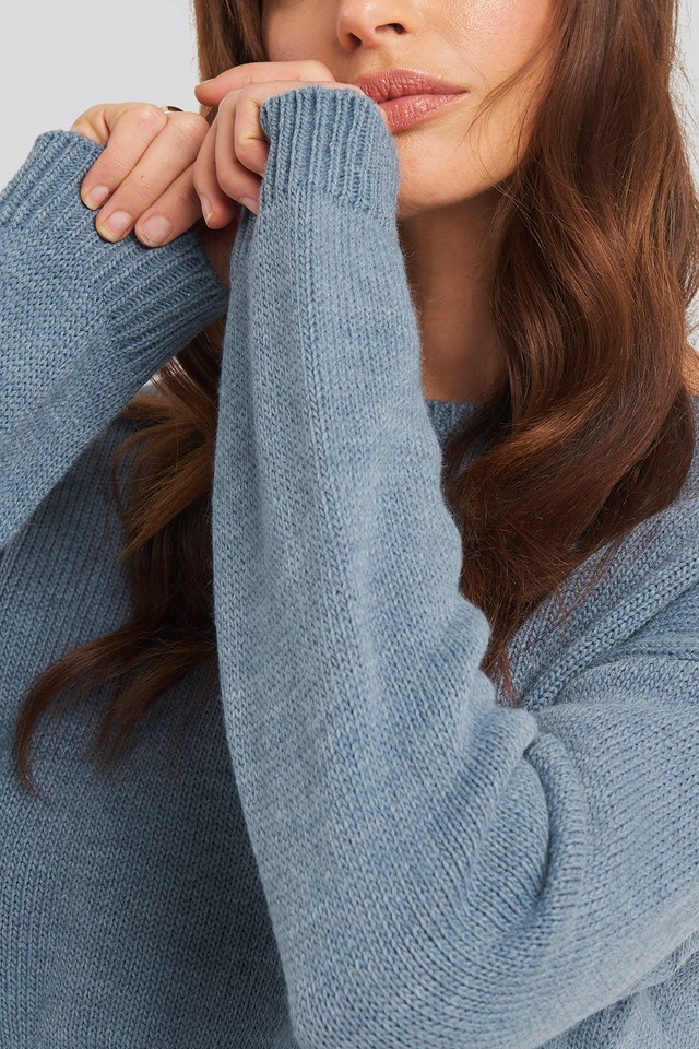 Cropped Round Neck Knitted Sweater Blue