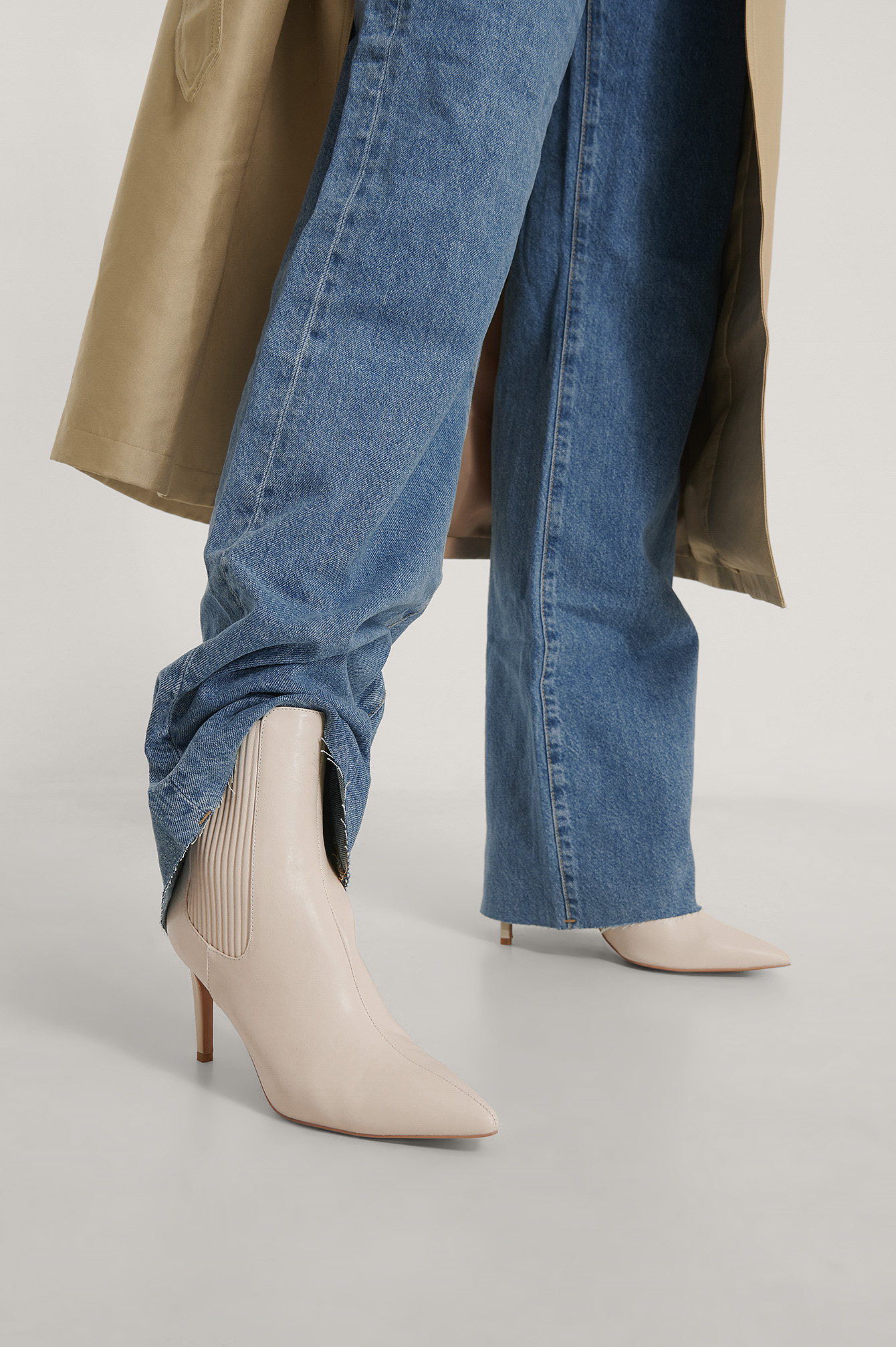 Cream Elastic Detailed Stiletto Boots