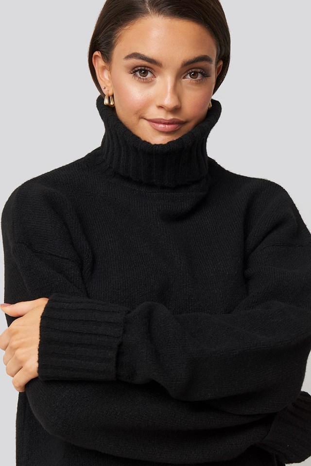 Folded Sleeve Oversize Sweater Black