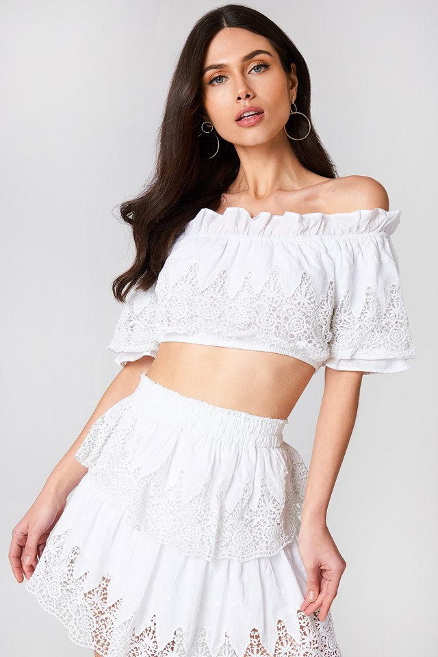 Embroidery Set Top White