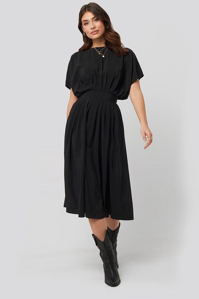 Marked Waist Dress NA-KD Trend