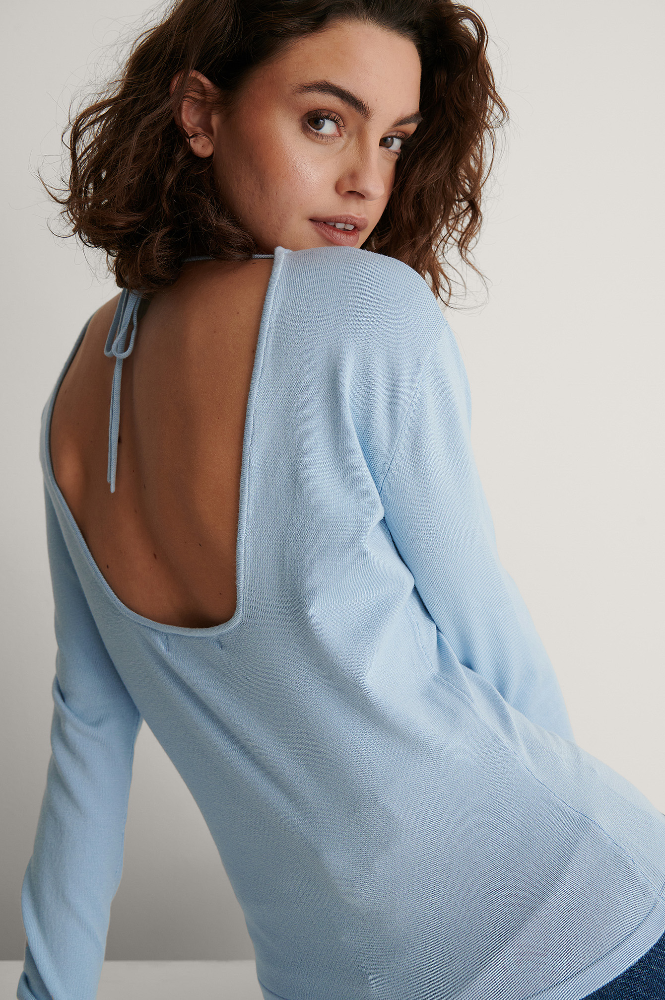 Light Blue Open Back Long Sleeve Knitted Sweater