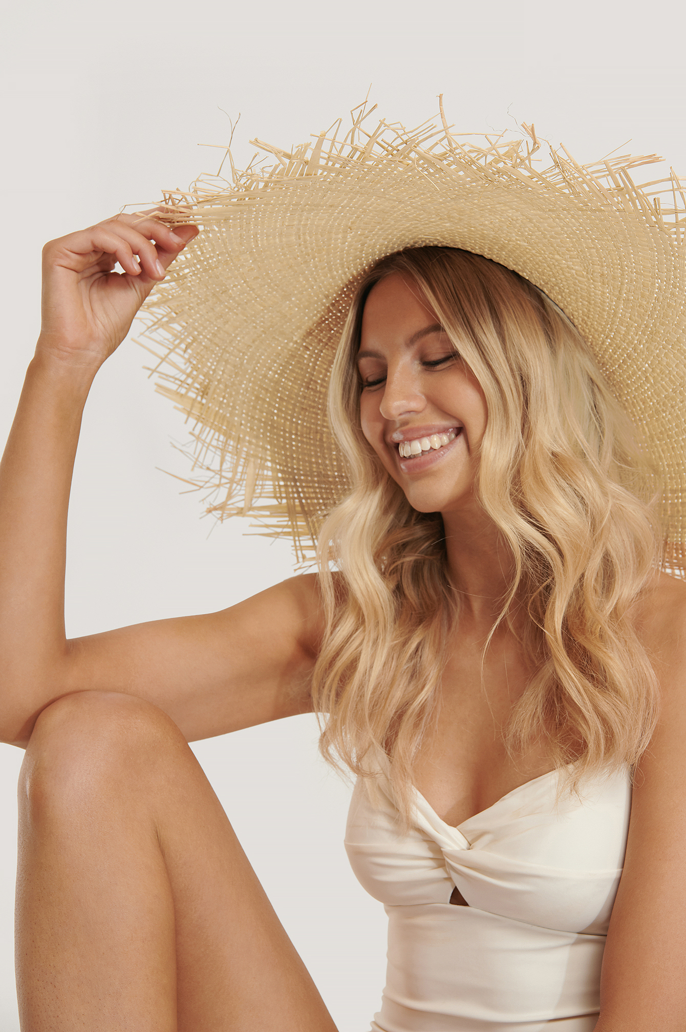 Natural Oversize Raw Edge Straw Hat