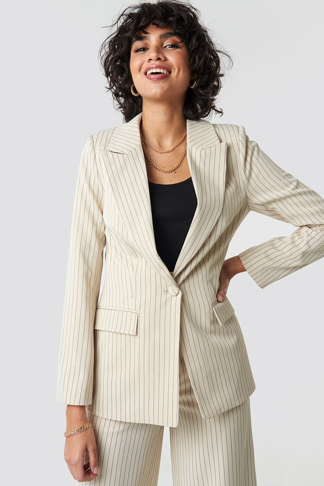 Pinstriped Fitted Blazer NA-KD Classic