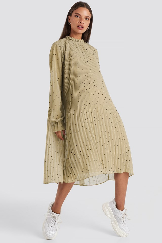 Pleated Dotted Dress Cream