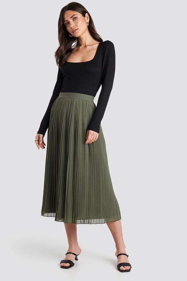 Pleated Long Skirt Khaki