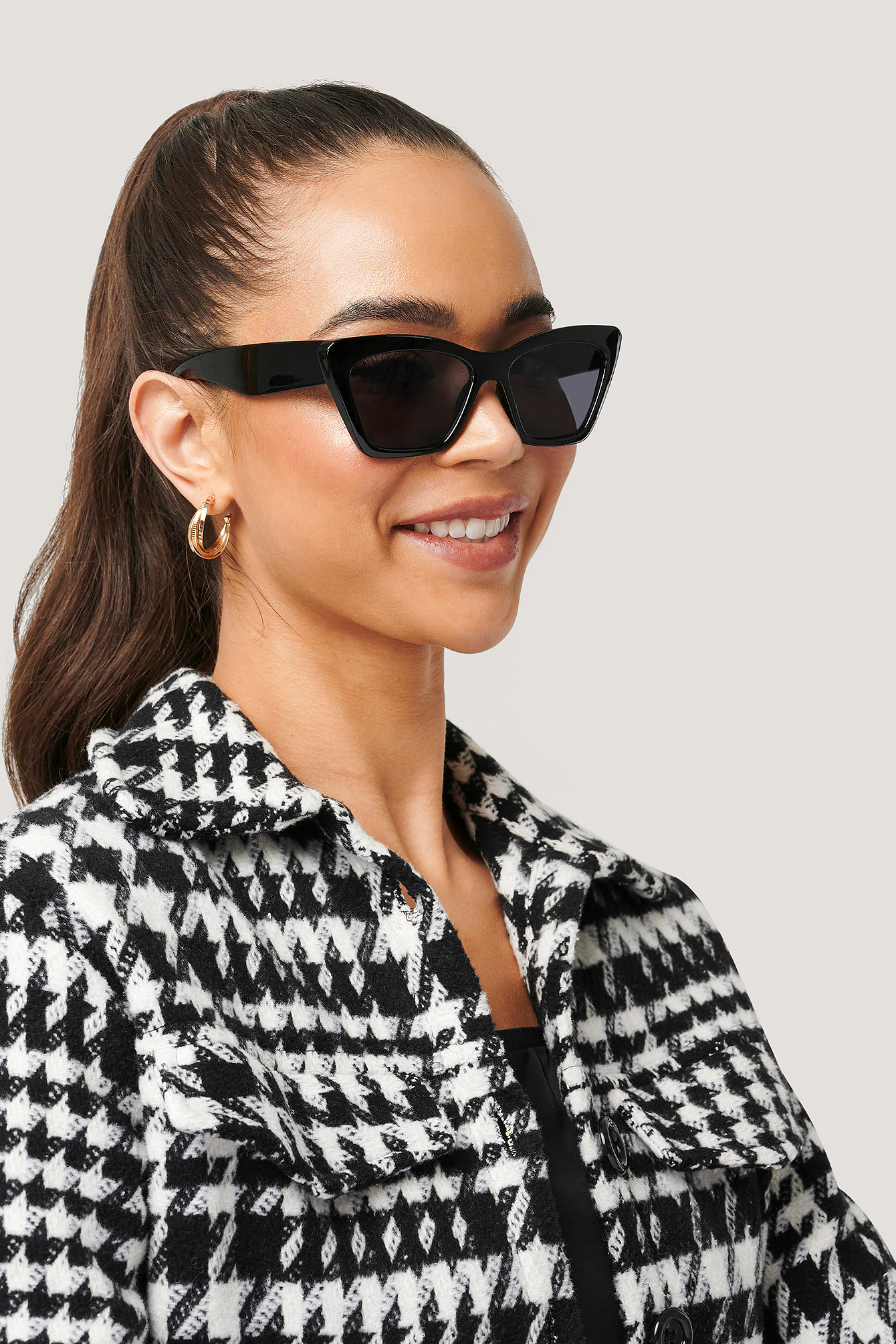 Black Pointy Squared Cateye Sunglasses
