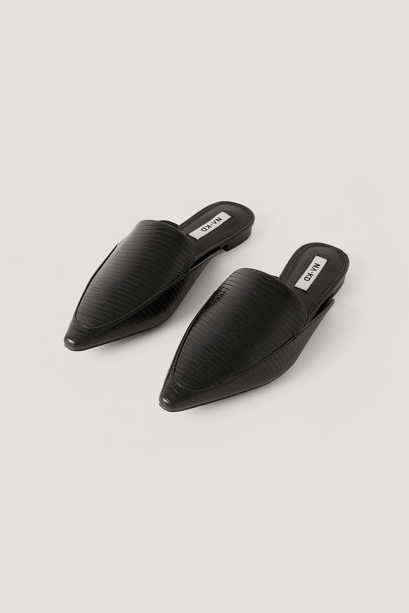Black Pointy Toe Slippers