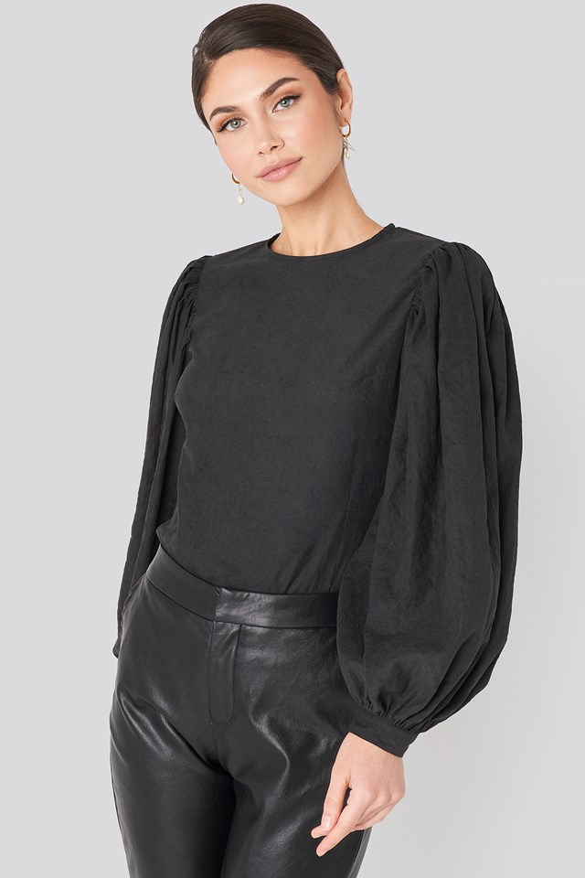 Puff Sleeve Round Neck Top NA-KD Trend