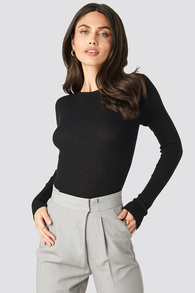 Ribbed Knitted Round Neck Sweater Black
