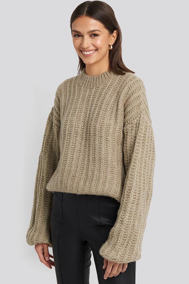 Round Neck Heavy Knit Sweater Beige