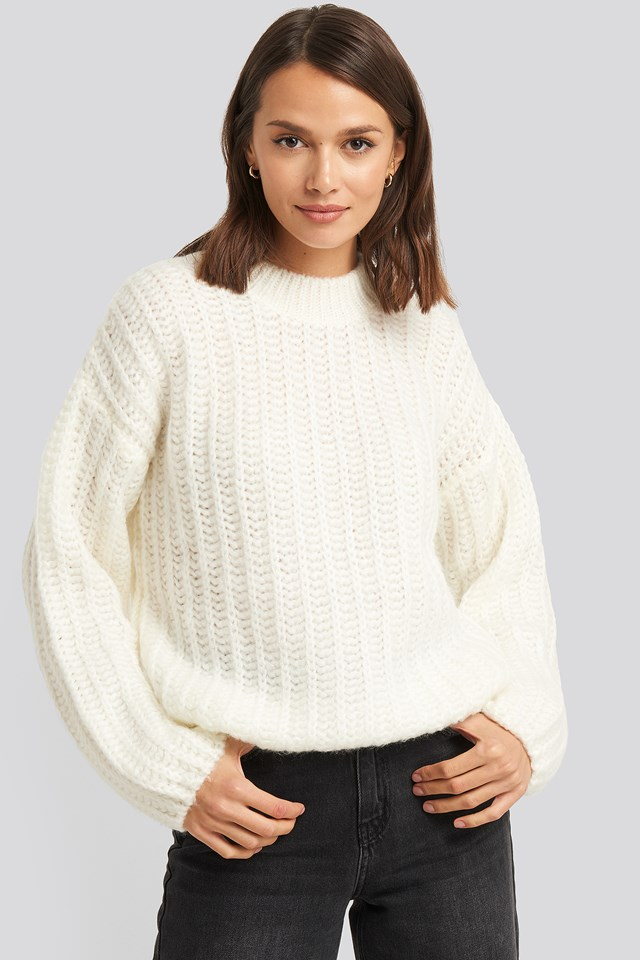 Round Neck Heavy Knit Sweater Offwhite