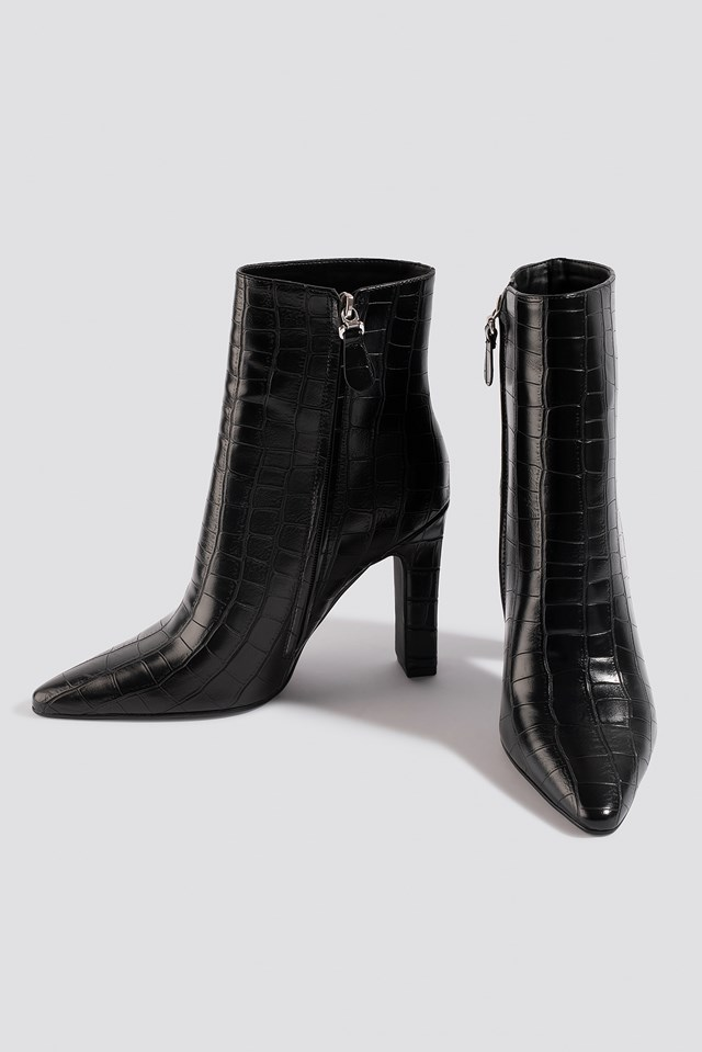 Rounded Toe Boots Black Croco