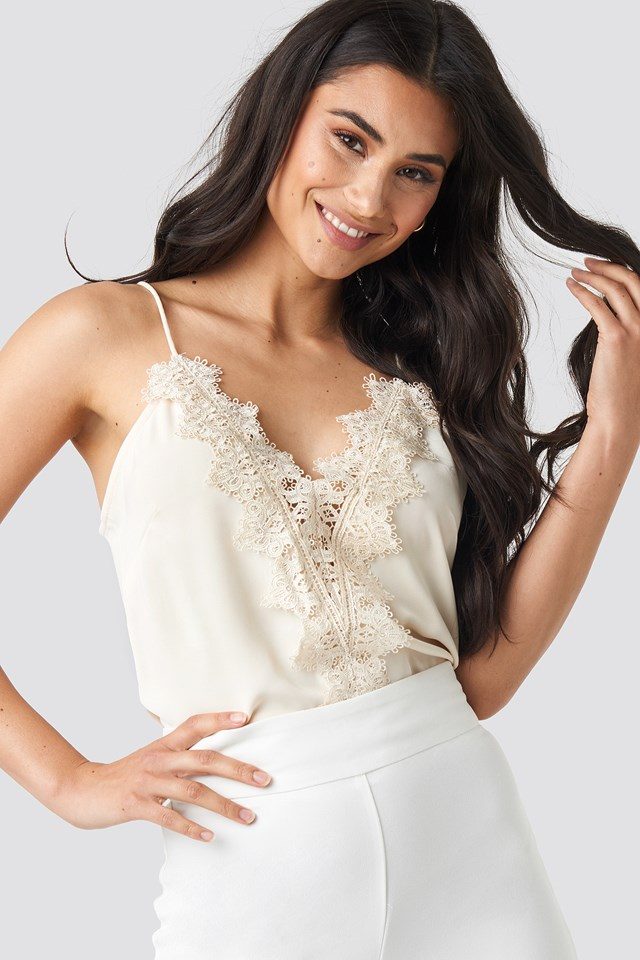 Scalloped Lace V-Neck Singlet Cream