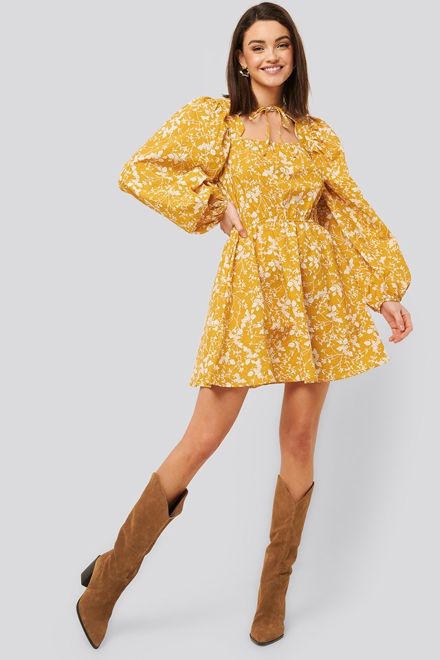 Scalloped Neckline Mini Dress Yellow Flower