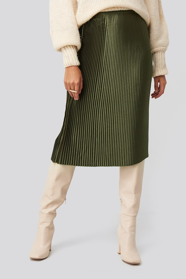 Shiny Pleated Skirt Forest Green