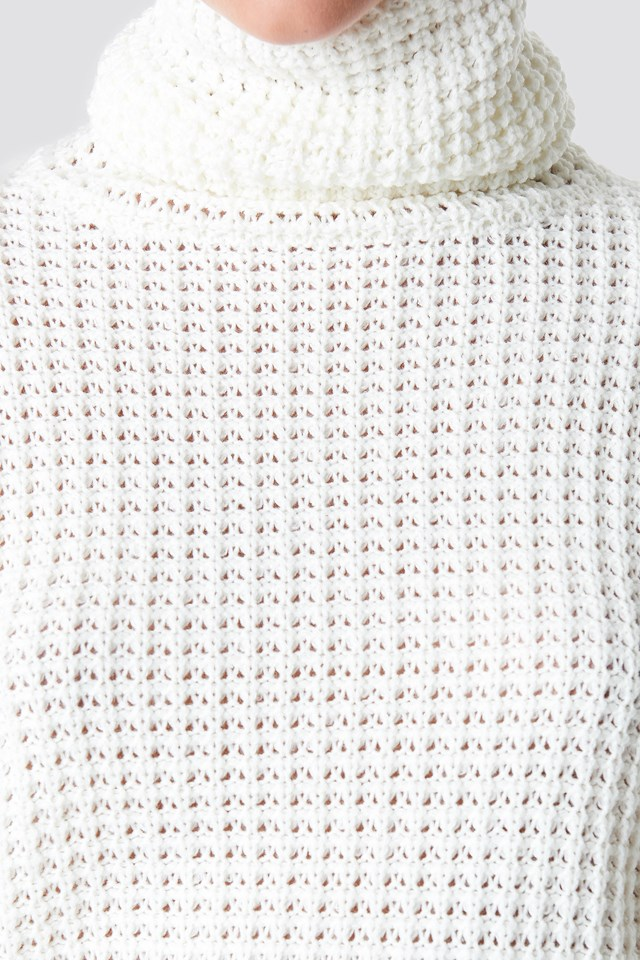 Short Pineapple Knitted Sweater Offwhite