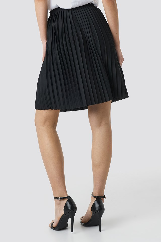 Short Pleated Skirt Black