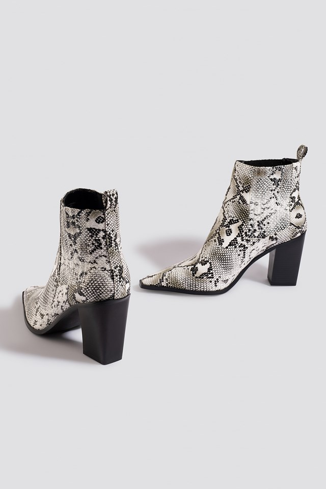 Snake Pointy Western Boots White