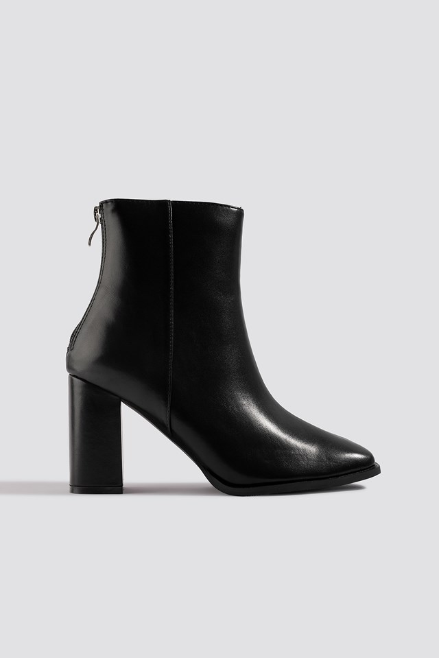 Squared Front Ankle Boots Black