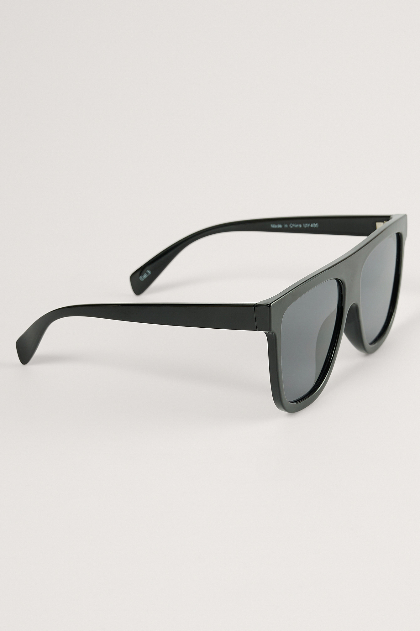 Black Straight Front Screen Sunglasses