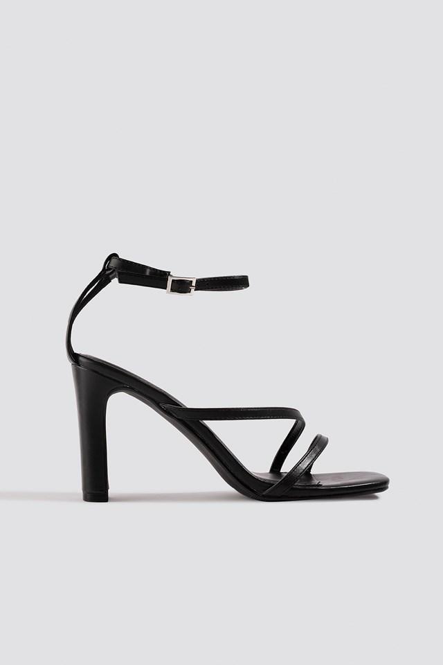 Strappy Flat Heel Sandals Black