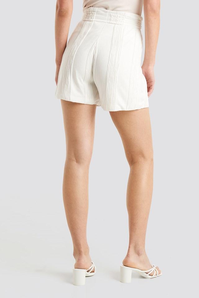 Structured Tied Waist Shorts Ecru