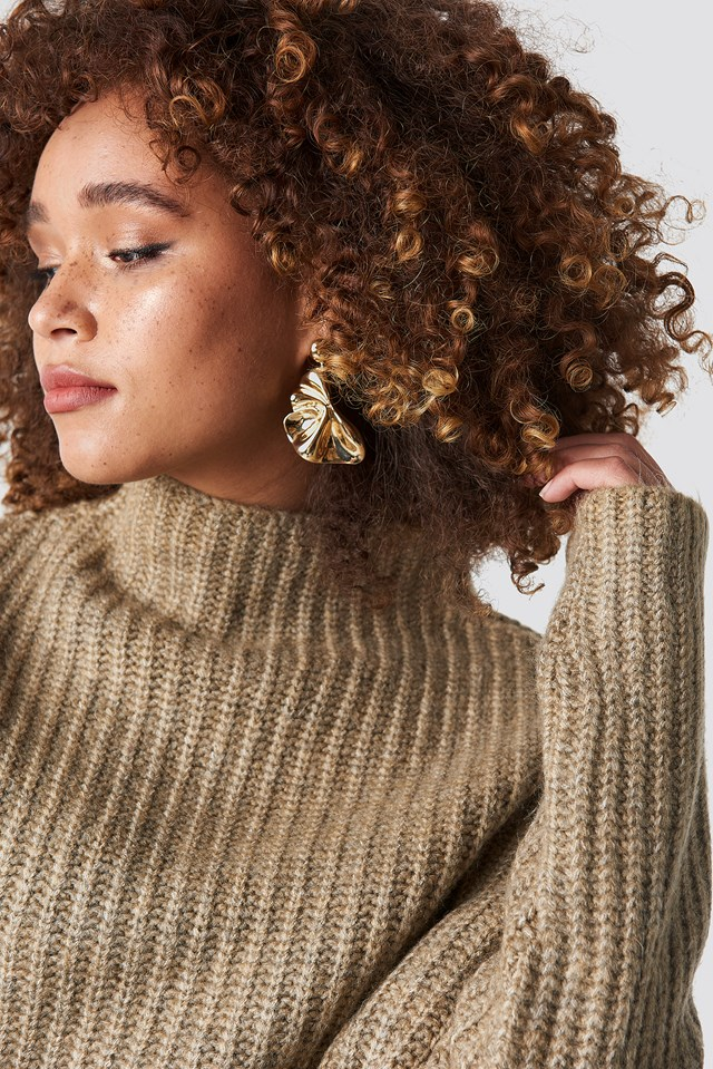 Textured Earrings Gold
