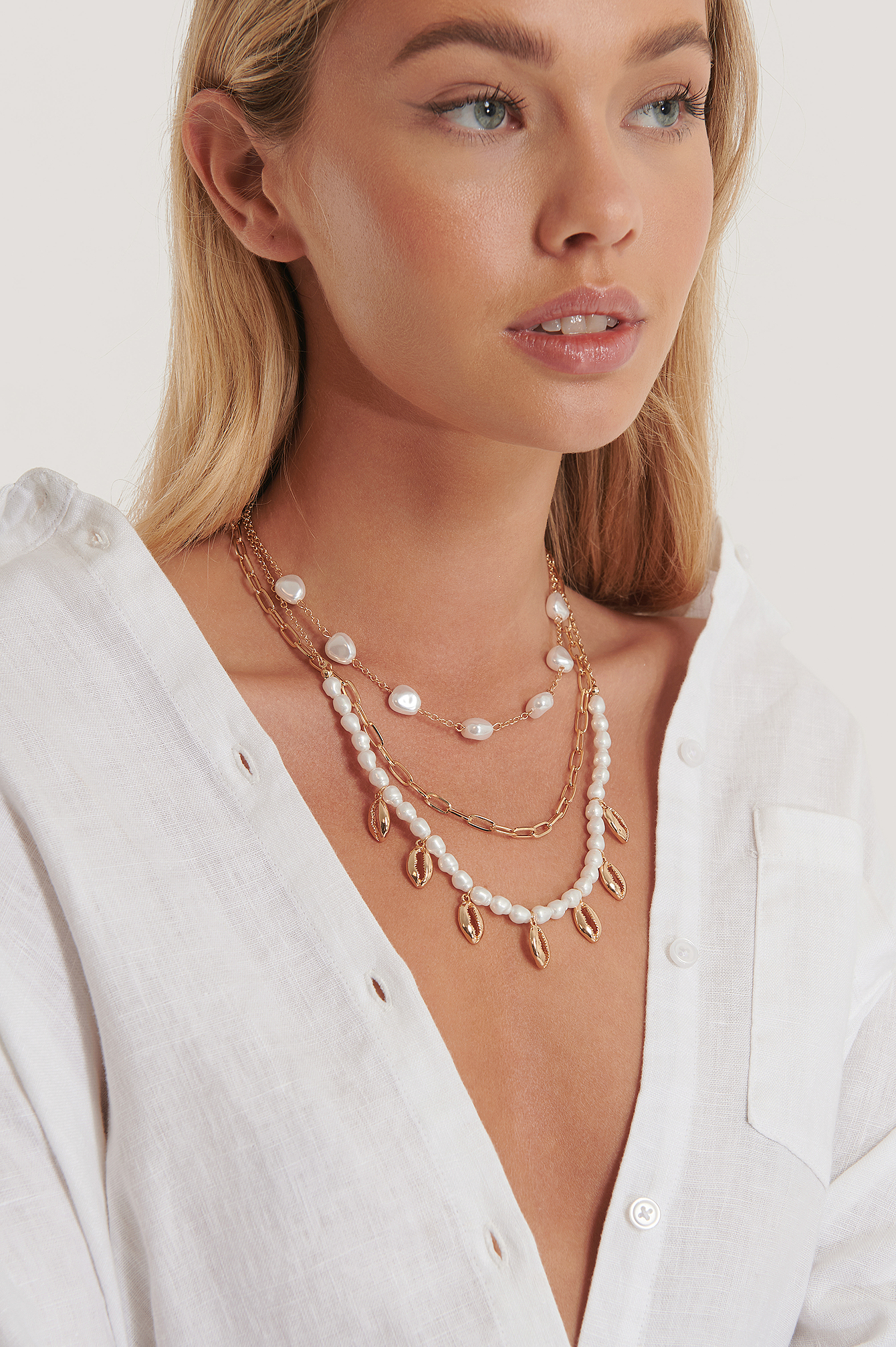Gold Three Layered Pearl Shell Neceklace